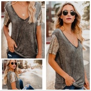 VICI Stand Out Sequin Sleeve Tee
